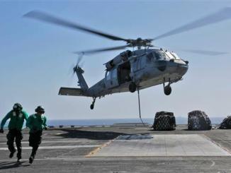MH-60S-Hawk_Mendarat_di_US_Navy