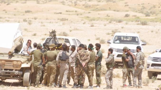 Tentara Suriah di Pangkalan Militer Shayrat