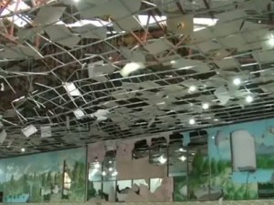 Puing-puing bekas ledakan bom di Kabul