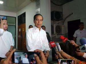 Jokowi di RSPAD