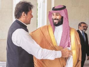 Ditekan Saudi, Imran Khan Tak Hadiri KTT Negara Islam di Kuala Lumpur