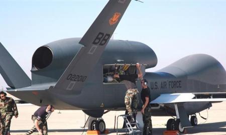 Pertama Kali! Iran Pamerkan Puing Drone Global Hawk AS yang Ditembak Jatuh Juni Lalu