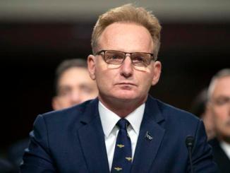 Buntut Corona di Kapal Induk, Kepala Angkatan Laut AS Mengundurkan Diri