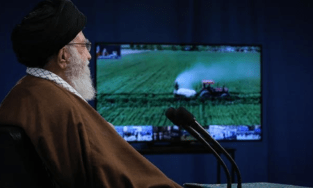 Ayatullah Ali Khamanei: Kekuatan Produksi Kunci Melawan Semua Gangguan Ekonomi