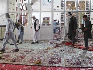 Pria Bersenjata Berondong Jamaah Masjid di Afghanistan Saat Shalat