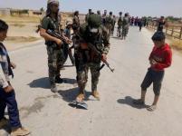 Video Pasukan Khusus Suriah Bersama Warga Usir Konvoi Militer AS