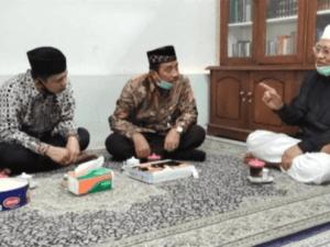 Gus Mus Kritik Tak Ada Bendera Merah Putih Saat HUT RI di Alun-alun Rembang, Ganjar: Bupati Ngaku Salah