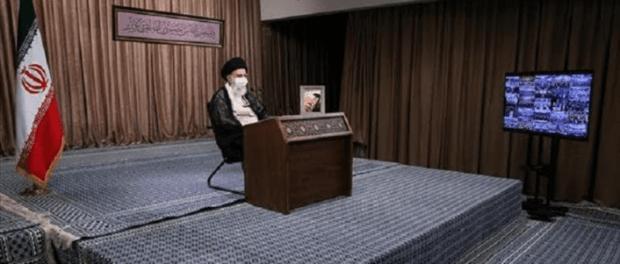 Ali Khamenei: Pertahanan Suci Bukti Invasi ke Iran Harus Dibayar Mahal