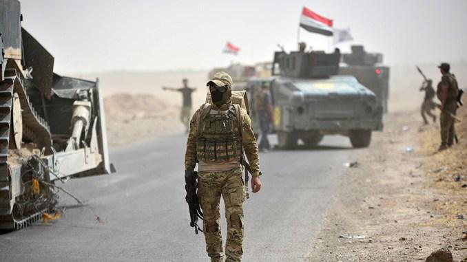 3 Kontainer Besar Bahan Berbahaya Dievakuasi dari Pelabuhan Irak