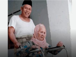 Berita Duka, Ibunda Ketua PWNU Jatim KH Marzuqi Mustamar Meninggal Dunia