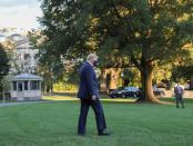 Trump Dibawa ke Rumah Sakit Militer Setelah Diagnosis Covid-19