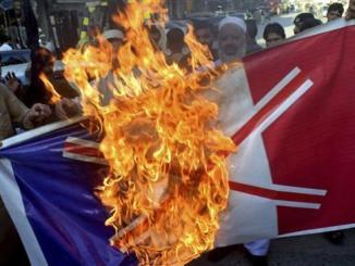 Proyek Islamofobia Prancis Percepat Keruntuhan AS-Israel