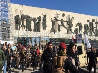 Peringati Kematian Soleimani-Muhandis Ribuan Warga Irak Demo