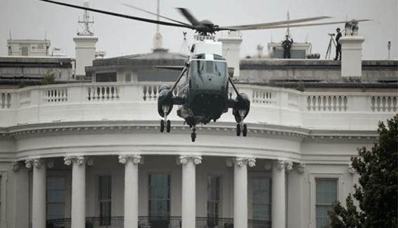 KIAMAT! Trump Tinggalkan White House Bawa Tas Nuklir