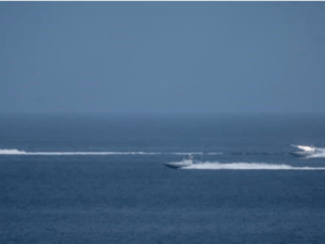 Video: Dekati Area Latihan Perang, Iran Usir Kapal Selam AS
