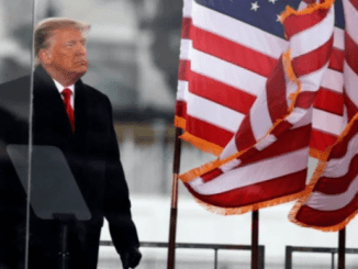 Trump Harus Dicopot Untuk Hindari Perang Nuklir dengan Iran