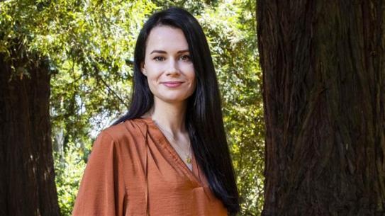 Komentator Politik: Wanita Australia ini Terima Pelatihan Israel untuk Mata-matai Iran