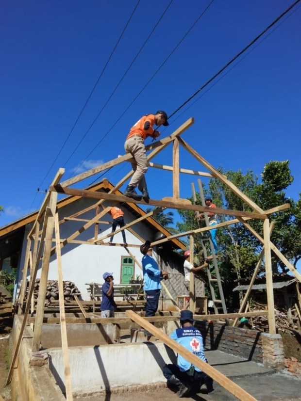PMI Malang Bangun Dua Rumah Warga Korban Gempa