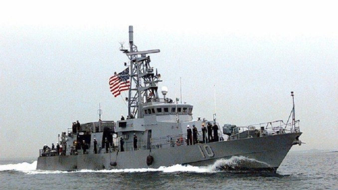 Kapal AS Lepaskan Tembakan Peringatan ke Kapal Iran