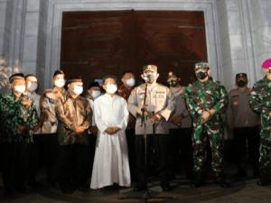 Kapolri Pantau Peribadatan Malam Jum'at Agung ke Gereja di Sulut
