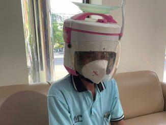 Viral Pengendara Motor Pakal Helm Magic Com