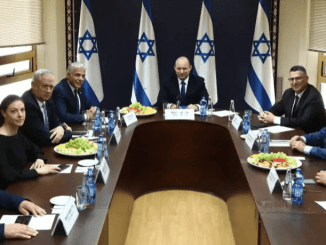"Bennett Resmi ""Tendang"" Netanyahu dari Kursi PM Israel"