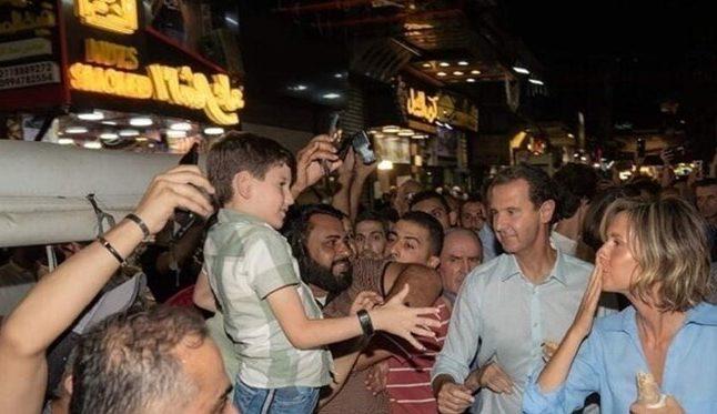 Warga Antusias Sambut Assad dan Keluarga Saat Blusukan