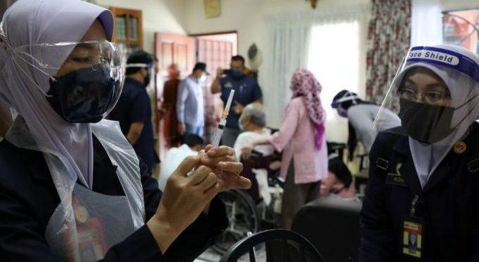 Malaysia Bantah Stop Gunakan Vaksin Sinovac karena Tak Efektif
