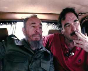Oliver Stone ha viajado en varias ocasiones a Cuba para dialogar con Fidel Castro.