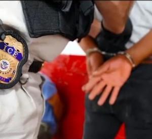 arrestan a cubanos por fraude