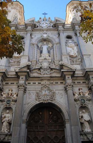 Fachada principal de la Basílica de San Juan de Dios