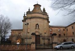 Portada de la ermita de San Roque