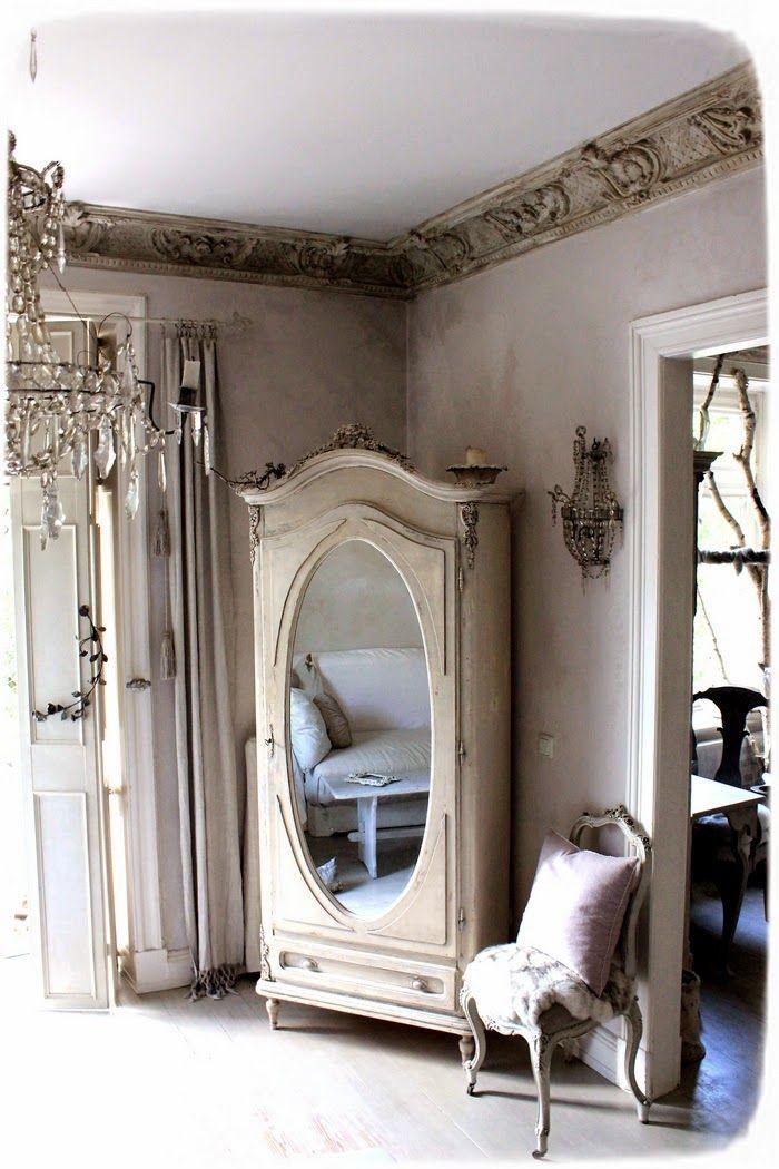 Arredare mensole e scaffali cucina - Specchi in stile ...