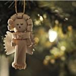 Idee albero di Natale fai da te: decorazioni in pasta secca angelo che canta