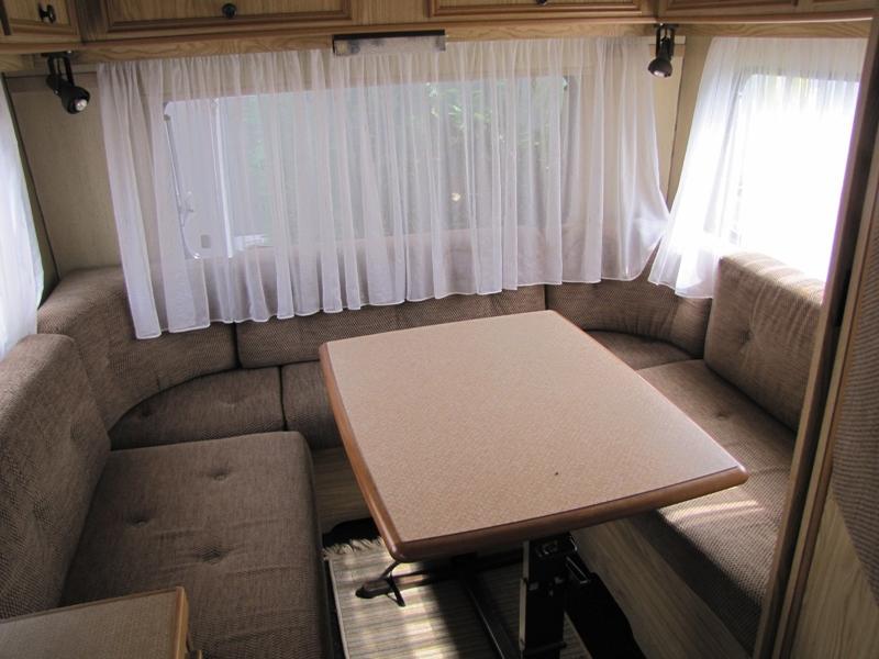 camper shabby chic foto prima e dopo la trasformazioni. Black Bedroom Furniture Sets. Home Design Ideas