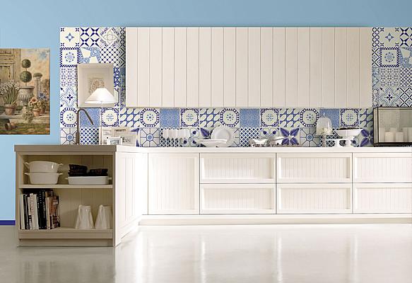Le piastrelle maiolica per cucina per dare un tocco shabby for Piastrelle per parete cucina