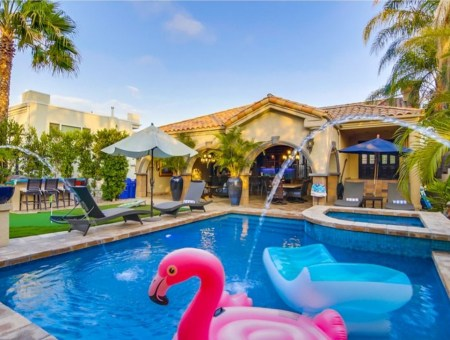 5 Supersized Vacation Rentals Ideal for Large, Traveling Families