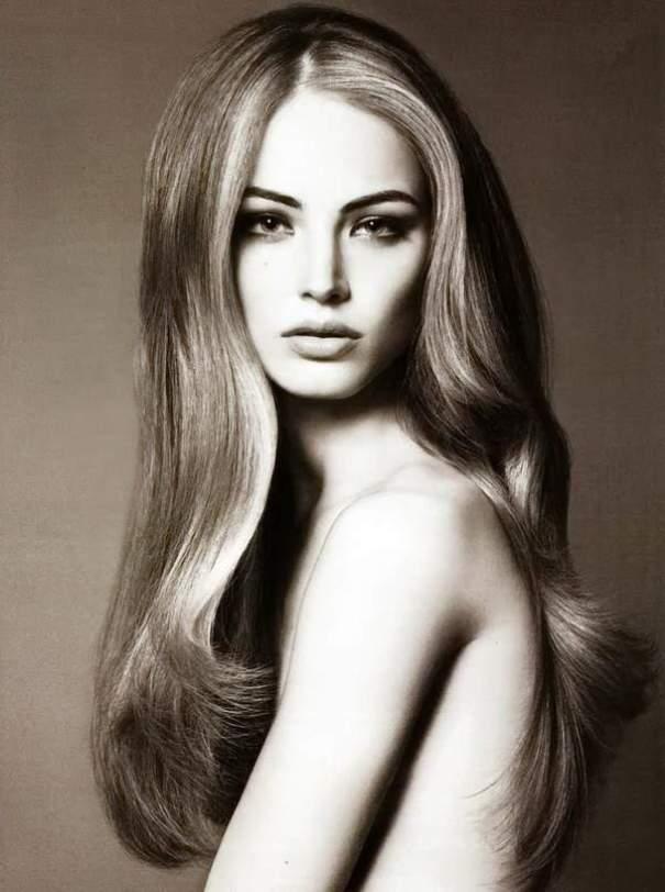Отличное стилизированное фото с распущенными волосами
