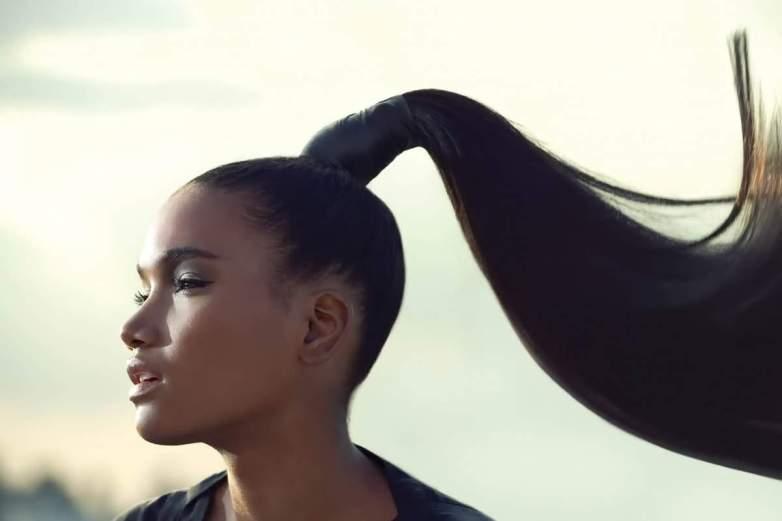 хвост из волос или как сделать из волос прическу за 15 секунд