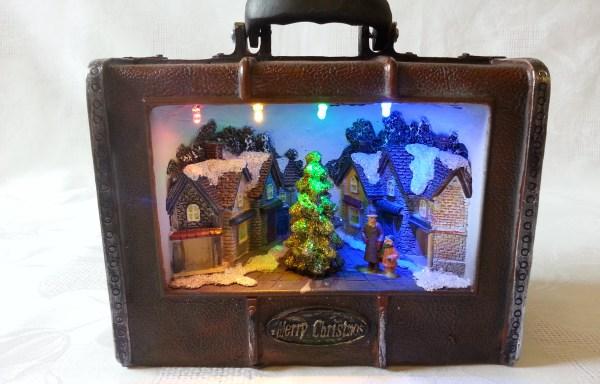 Scenka Świąteczna w Walizce