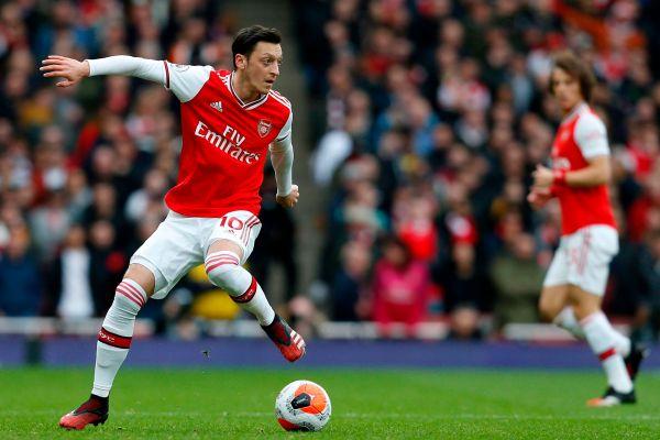 Mesut Ozil, back