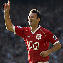 Ljungberg could emulate Ryan Giggs' success with Manchester United last season