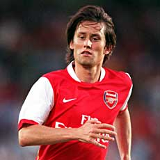 Rosicky's injuries may be related to some permanent muscle problems