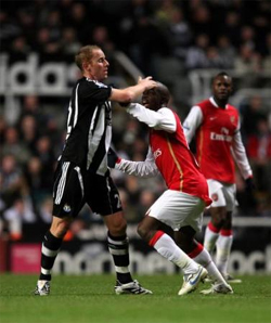 Diarra clashes with Nicky Butt