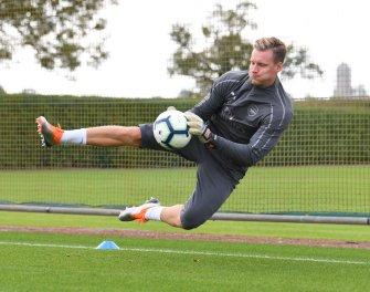 Bernd Leno in training