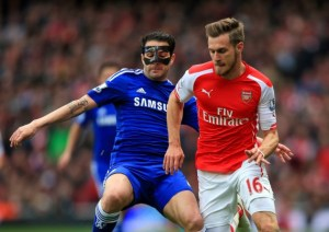 Cesc tries to disguise his appearance!