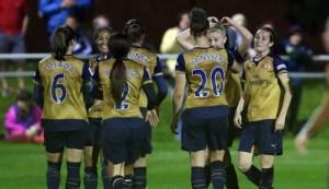 Arsenal Ladies celebrate win at Sunderland