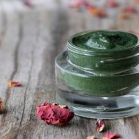 Homemade Seaweed Facial Mask: Spa Days at Home