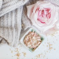 Take Your Shower to Spa Heights: DIY Oatmeal Rose Face Mask and Homemade Eucalyptus Body Oil