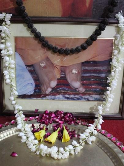 Gurucharana-yugala.JPG